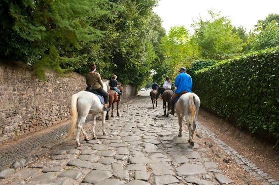 Horse Trekking in Rome